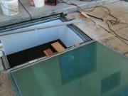 Remplacement d'une dalle en verre extrêmement lourde